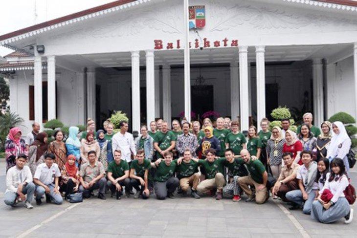 24 siswa SMA asal Belanda belajar budaya dan lingkungan di Kota Bogor