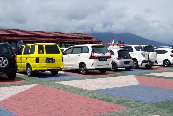 Dishub Malut tertibkan mobil penumpang trans Sofifi