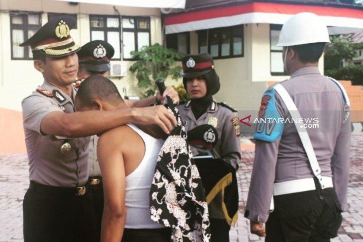 Karena desersi, dua anggota Polres Nagan Raya dipecat