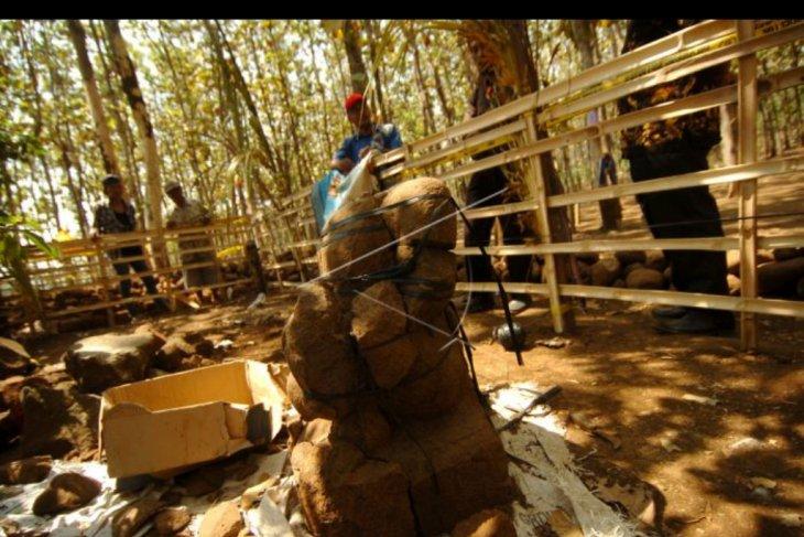 Penwmuan situs candi di Brebes