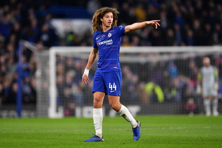 Chelsea pinjamkan Ampadu demi jam terbang