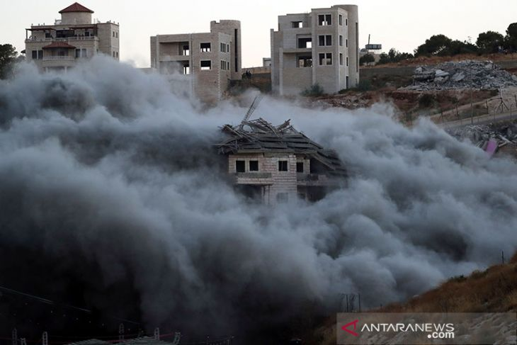 Pemukim Yahudi bakar lahan zaitun di Selatan  Nablus