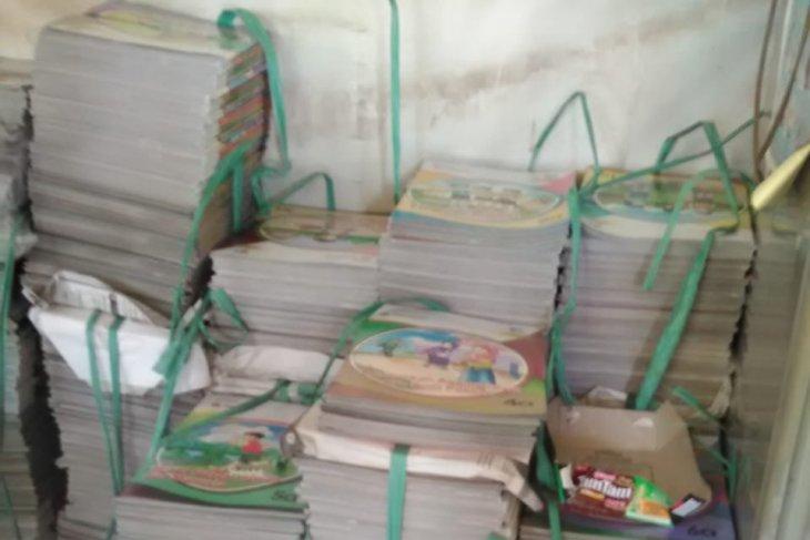 Wali Murid keluhkan  pembelian buku di SDN  Bambu Apus 01