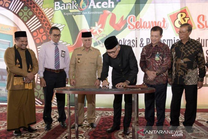 Plt Gubernur minta Bank Aceh Syariah perbaharui teknologi