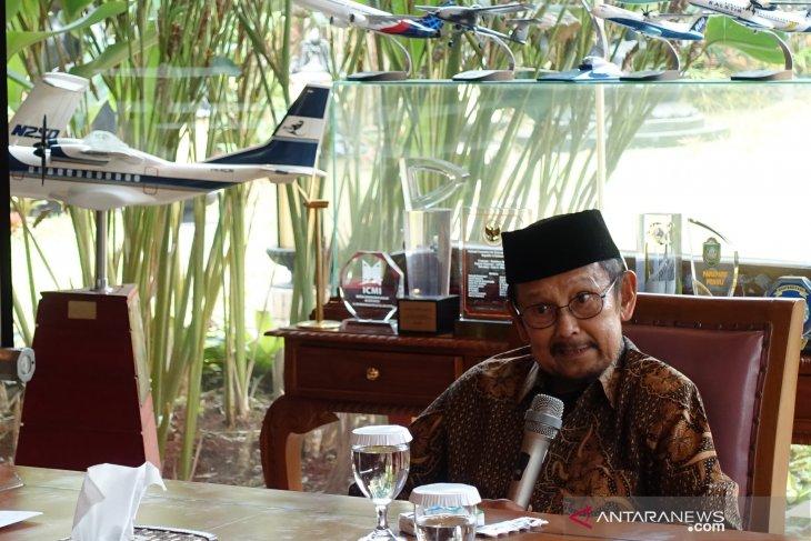 Mantan Presiden BJ Habibie jalani perawatan intensif di RSPAD Gatot Subroto