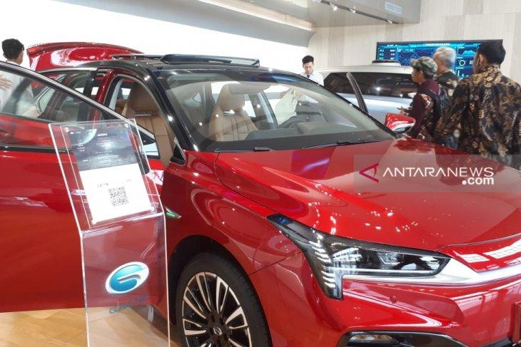Mengunjungi pabrik mobil GAC NE di Guangzhou