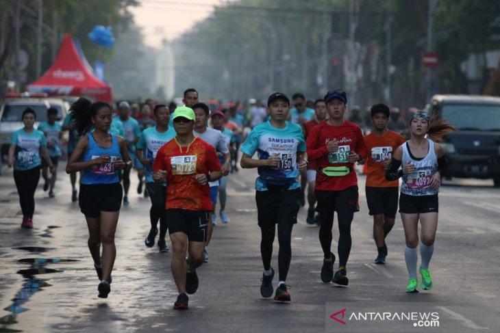 Kemeriahan Surabaya Marathon 2019
