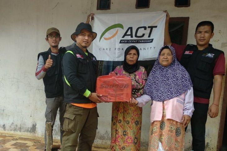 ACT berikan bantuan kepada 20 KK korban gempa Banten