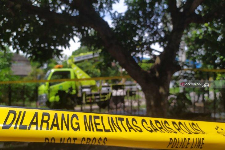Dikenal sosok yang ramah, FS ditemukan tewas tergantung di pohon mangga