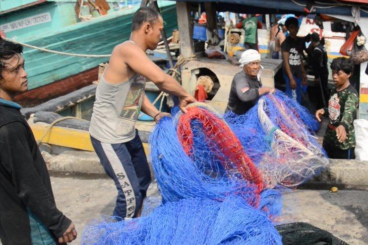 Tidak semua saksi terima bantuan alat nelayan