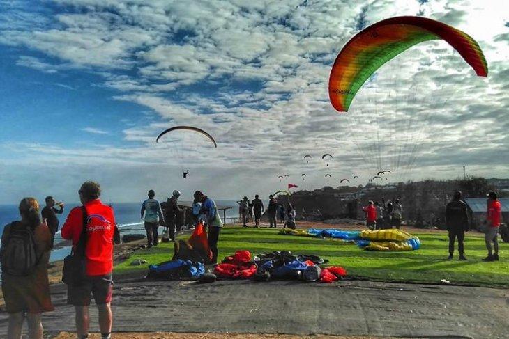 16-18 Agustus, kejuaraan paralayang Asia 2019 diadakan di Pantai Pandawa
