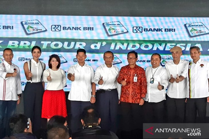 90 cyclists from 22 nations pursue glory in Tour d'Indonesia