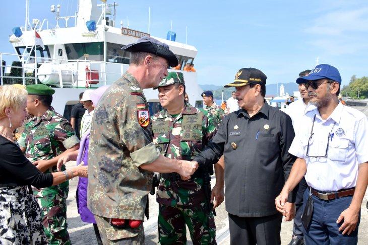 Pemko Sabang perkenalkan wisata bahari ke Atase Militer