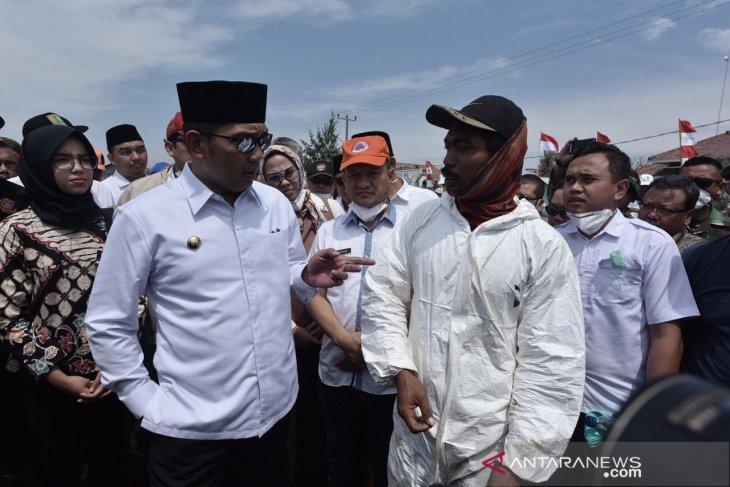 Gubernur Jabar: Warga terdampak minyak mentah tidak perlu khawatir