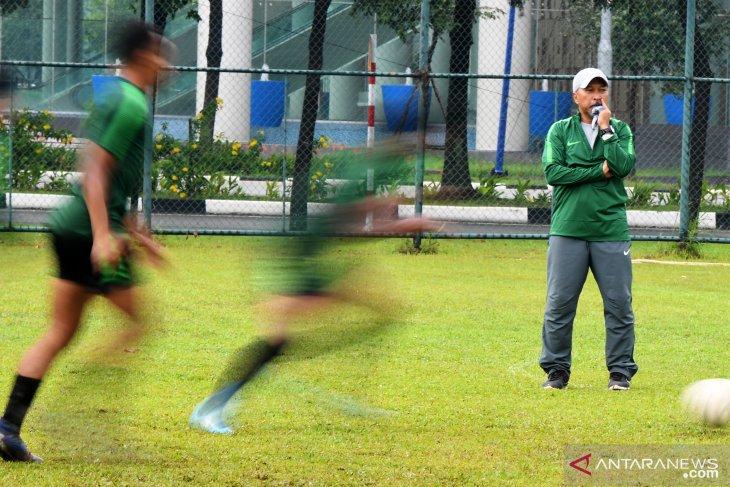 Jelang laga semifinal Piala AFF U-18, Fakhri  masukan materi penalti dalam latihan