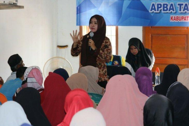 Dinsos Aceh bimbing 170 warga miskin yang terima bantuan di  Bireuen