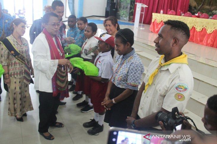 Menteri Yohana sebut Tak ada kabupaten layak anak di Papua
