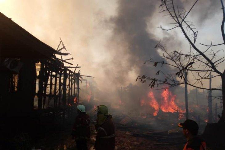 11 Bangunan Depan Kantor Camat Sangatta Utara Ludes Terbakar