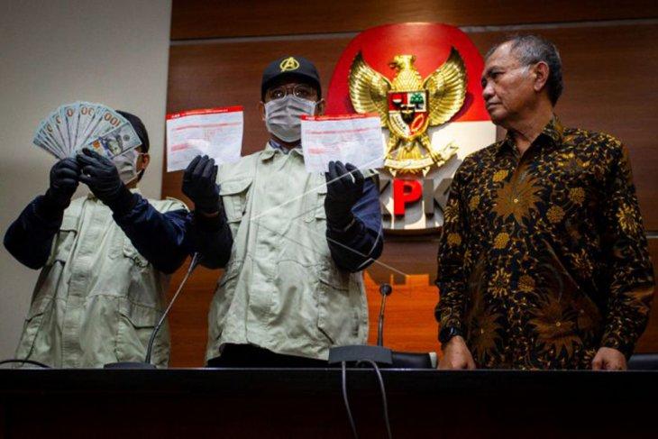 Konferensi pers penangkapan I Nyoman Dhamantra oleh KPK