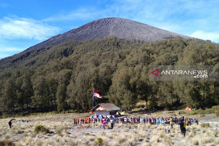 Pendakian Gunung Semeru dibuka kembali Januari 2020