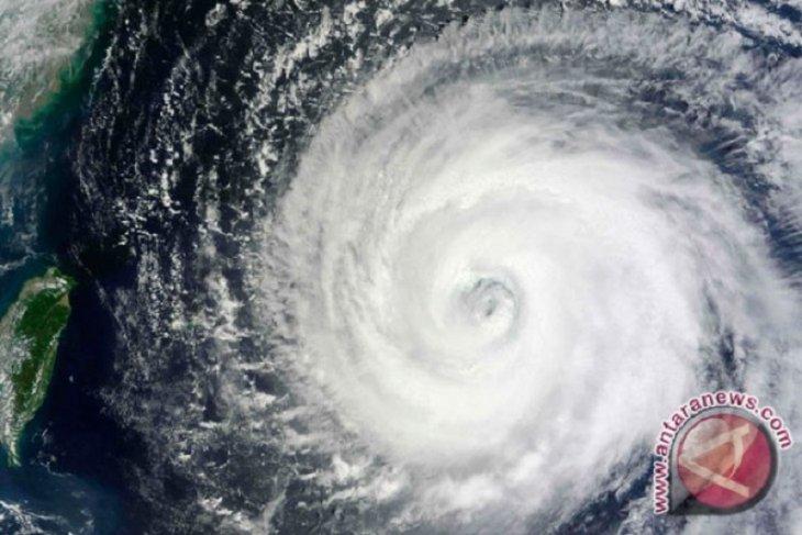 Jepang bersiap terkena Badai Krosa pada Rabu