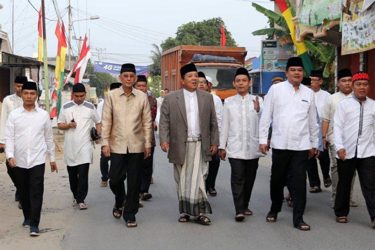 Arinal Djunaidi Sholat Idul Adha Di Masjid Istiqlal Bandarjaya