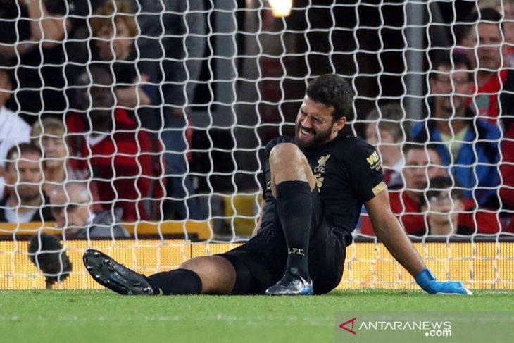 Liverpool kehilangan kiper Alisson selama beberapa pekan