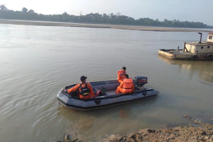 Basarnas Jambi cari korban tenggelam di Pantai Aurduri Sungai Batanghari
