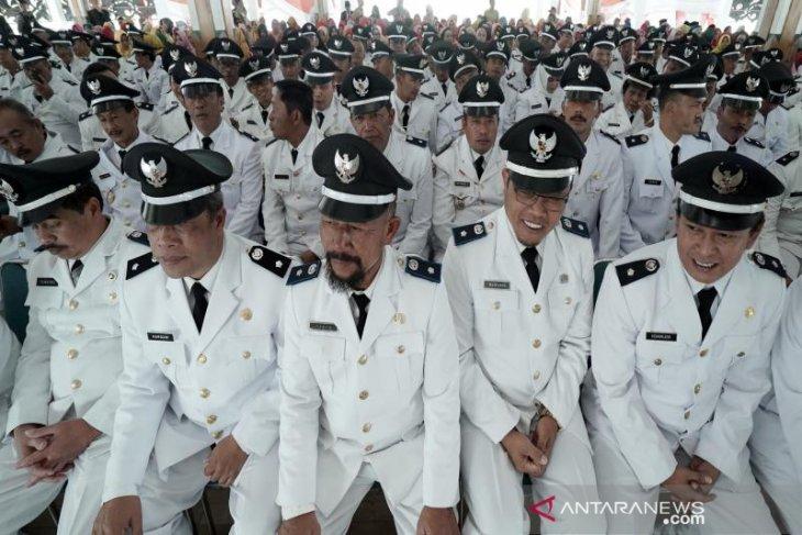 Pemkot Ambon targetkan pelantikan kades definitif rampung 2020