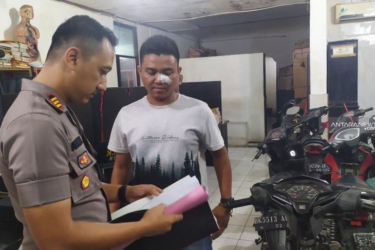Dikeroyok saat gerebek kampung narkoba, Kapolsek Patumpak buat laporan