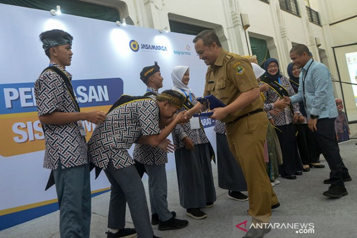 Pelepasan Siswa Mengenal Nusantara