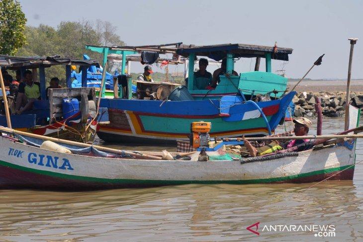 Kerugian nelayan Karawang atas tumpahnya minyak Pertamina sudah didata