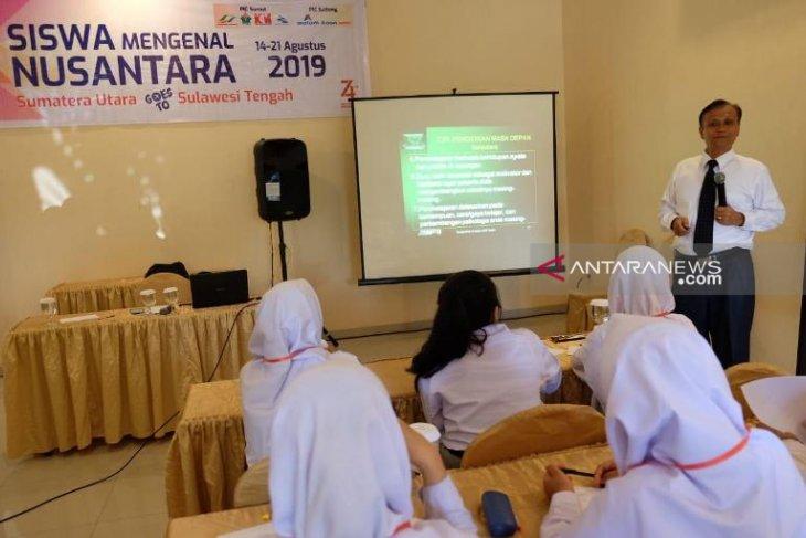 PTPN IV edukasi siswa SMN pentingnya pendidikan  abad 21