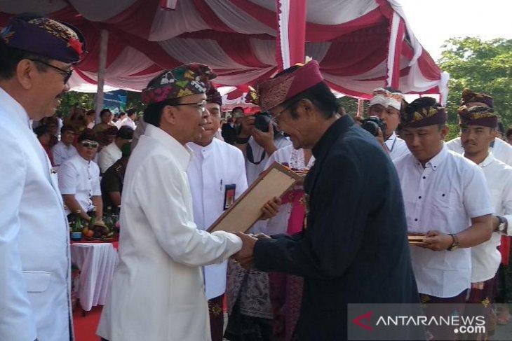 Sembilan seniman Bali dapat penghargaan Dharma Kusuma