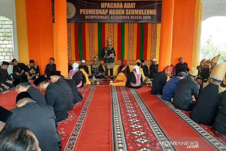 Keturunan Raja Daya gelar upacara adat