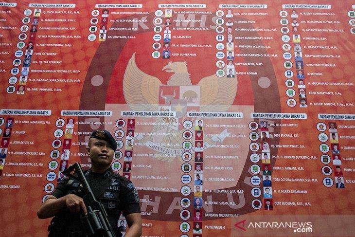 Penyerahan SK Calon Terpilih DPRD Jabar