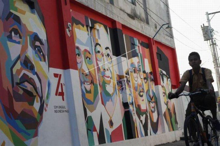 Mural wajah presiden