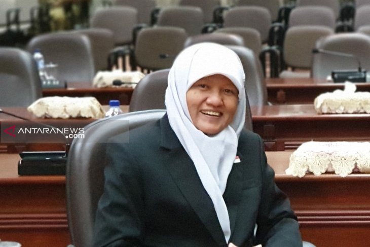 Legislator : Pemasangan paving di Kota Surabaya gunakan anggaran kelurahan