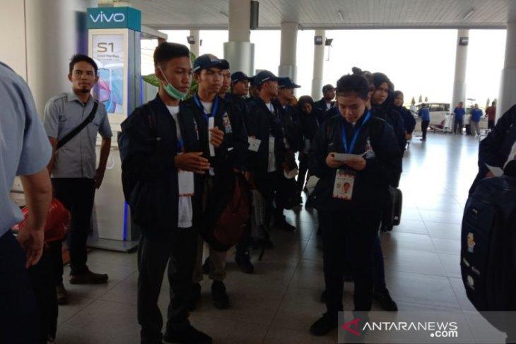 PT Timah lepas 23 peserta SMN berangkat ke Kendari