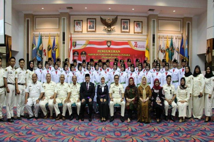 Nunik Kukuhkan Paskibraka Provinsi Lampung 2019