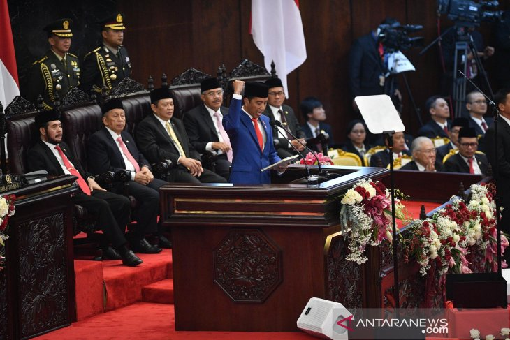 Community should be ready to face era of disruption: President