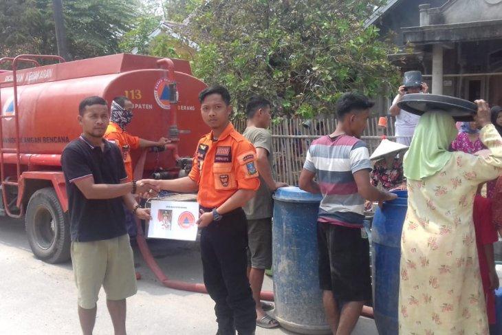 Tangani krisis, Pemkab Serang distribusikan ribuan liter air bersih