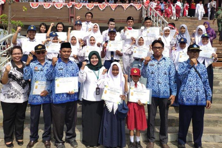 ANTAM beri apresiasi guru dan pelajar Sanggau yang berprestasi