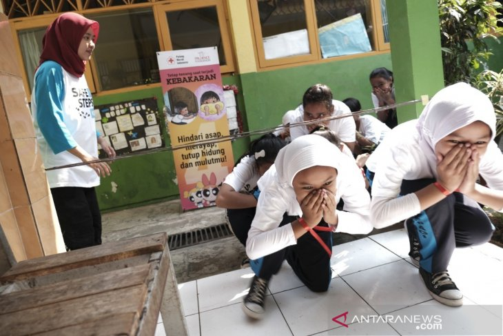 PMI beri edukasi ratusan pelajar SD tentang kebencanaan