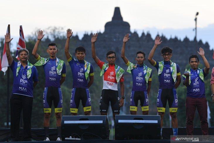 Tour d'Indonesia commences from Borobudur Temple