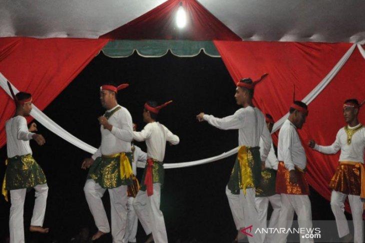 Tari Seudati hiburkan ribuan pengunjung di Aceh Timur