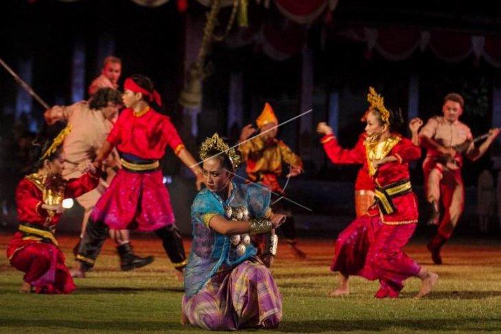 Opera kolosal adeging nagari Republik Indonesia