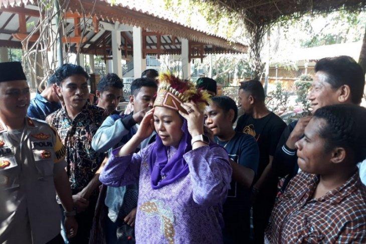 Yenny Wahid ingatkan kedekatan Gus Dur-Papua