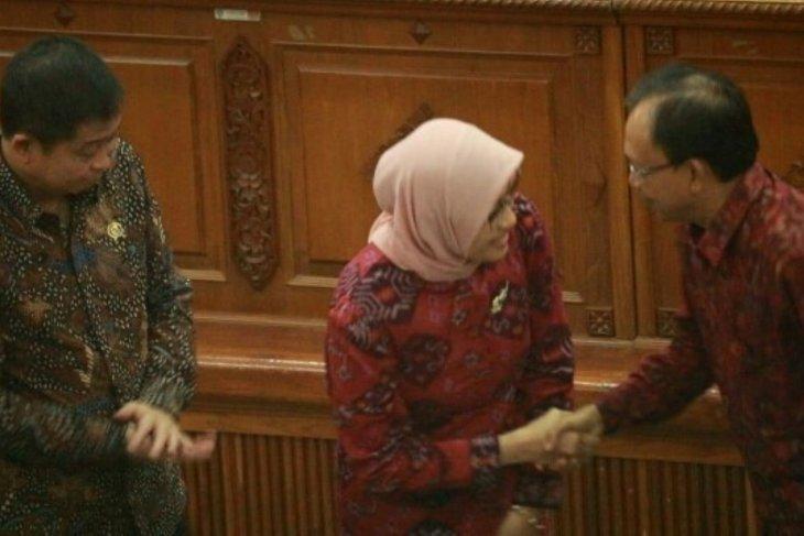 Gubernur Bali dan PLN tandatangani perjanjian kerja sama