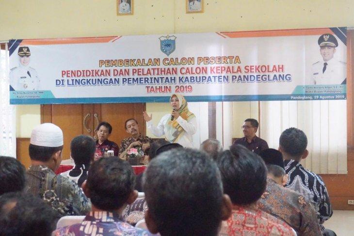 Bupati Pandeglang: Kepala sekolah harus berkompeten